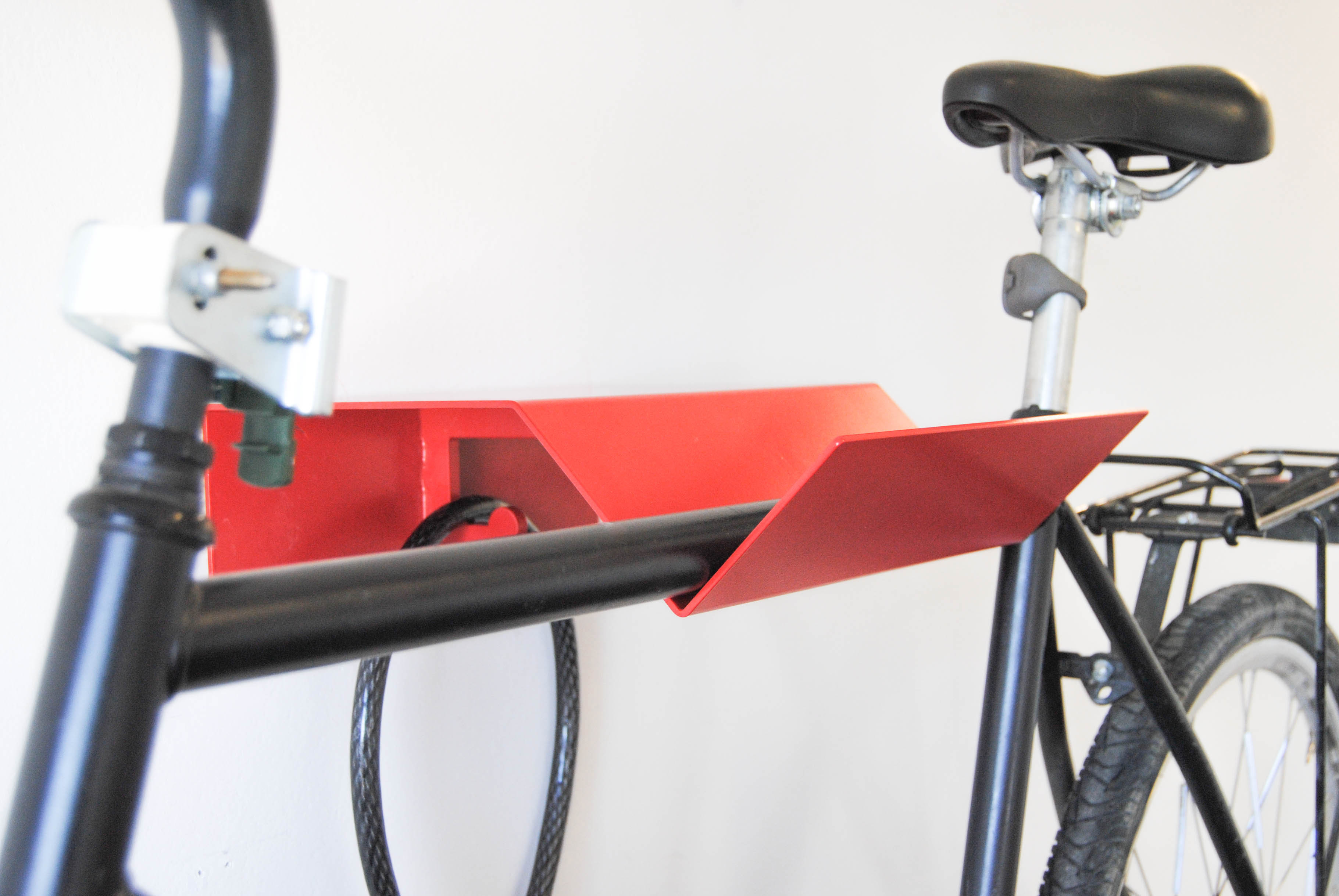metal bike holder red with hook for lock