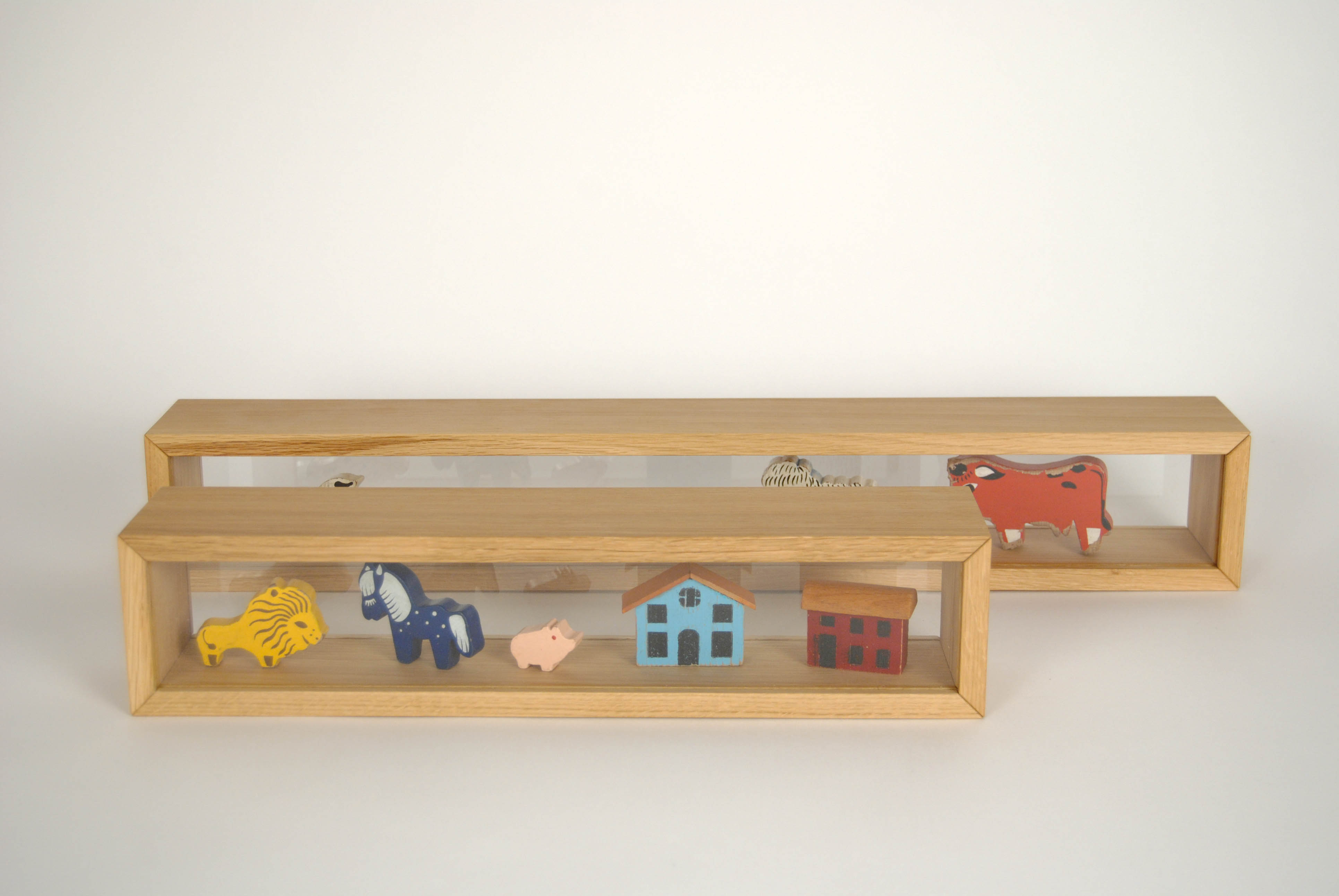 racks wooden table showcase with glass for objects