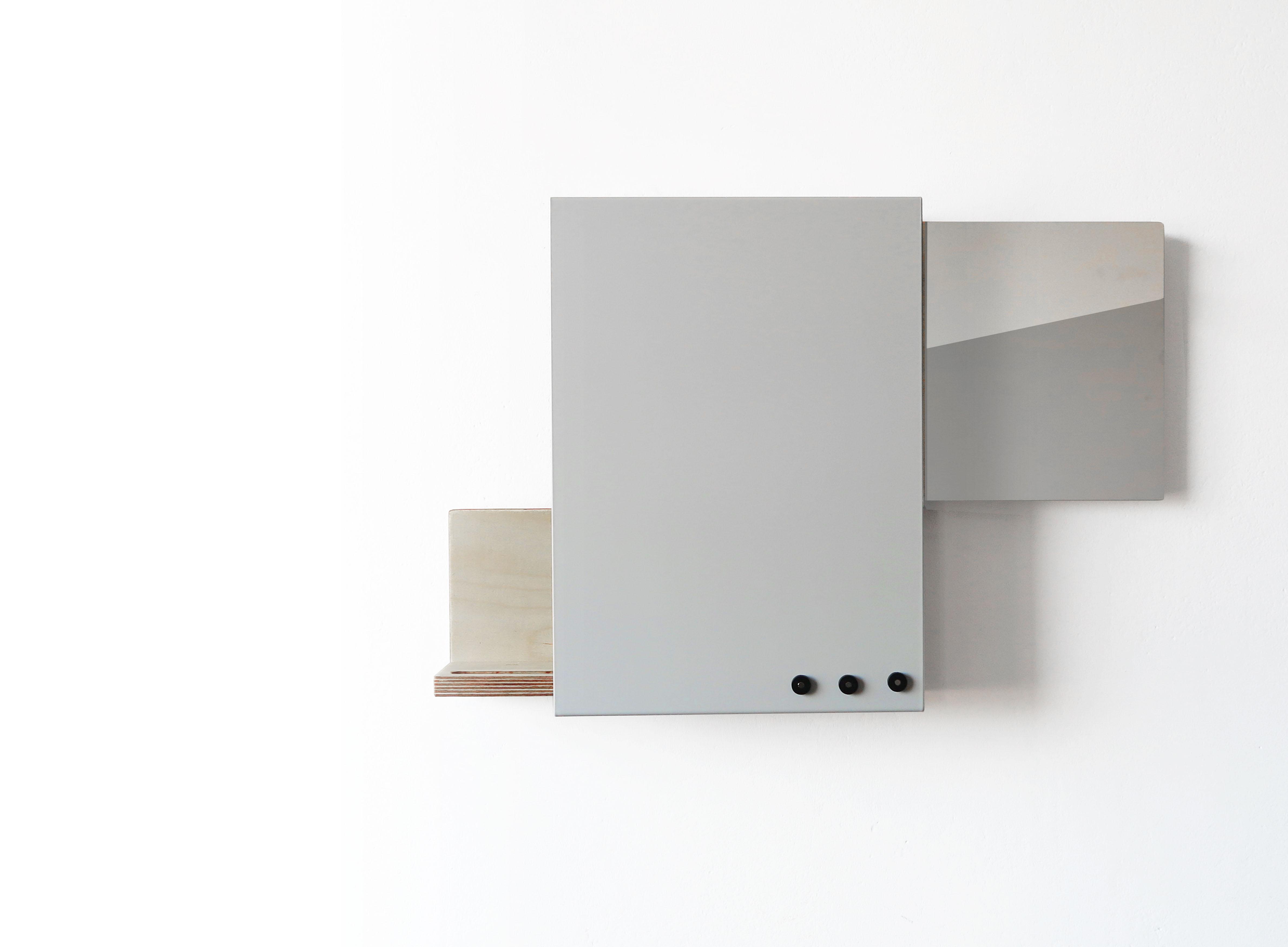Slide White Mirror Config 2