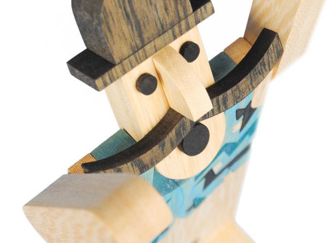 depero-futurismo-giocattolo-baffi-cappello-nero-legno-wood-toy-design-futurism