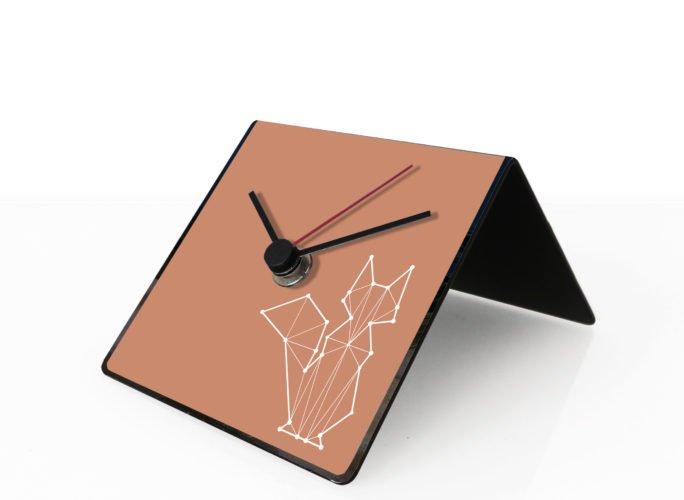 volpe-totem-design-clock