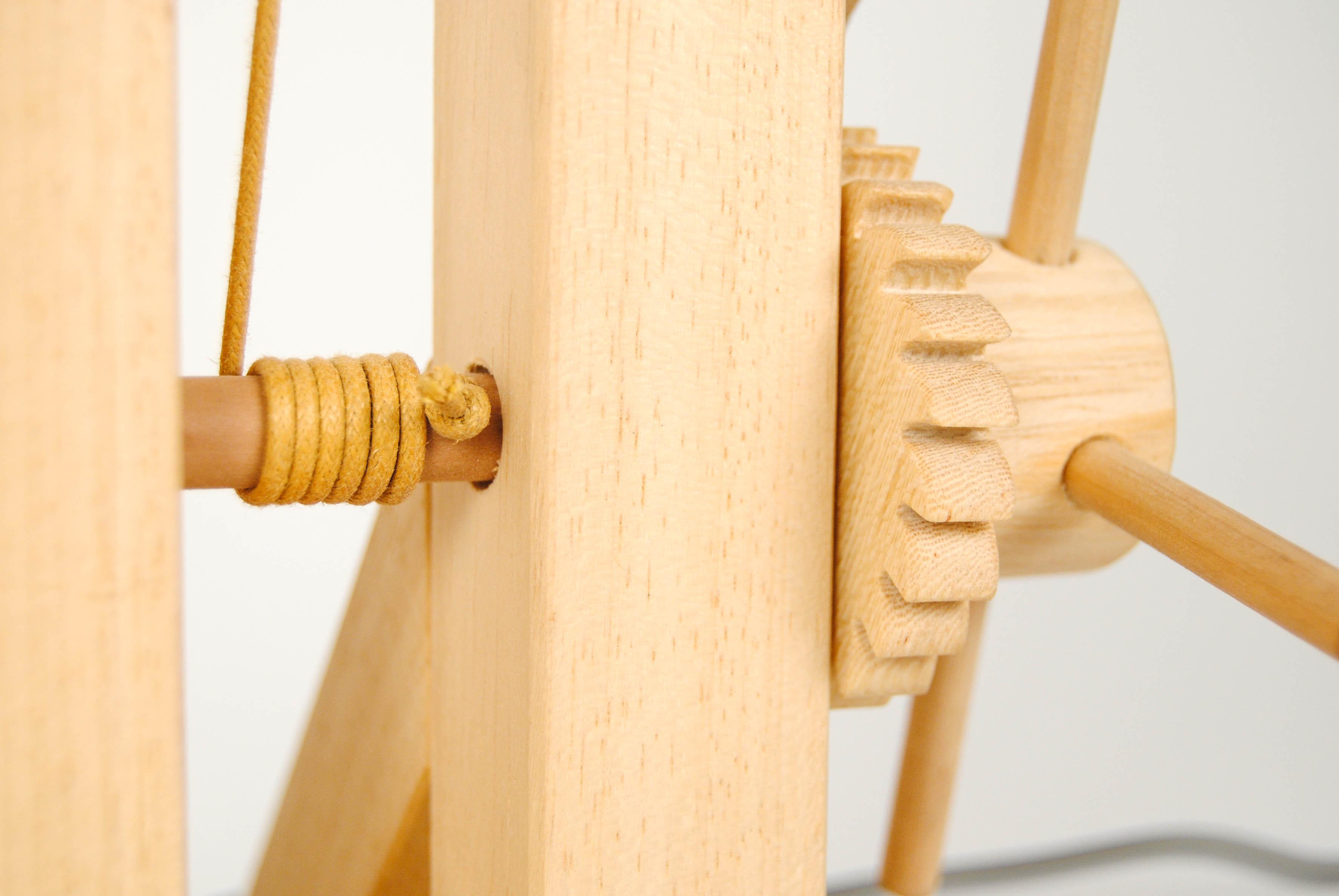 gear mechanism with wire of leonardo da vinci wooden flexible lamp