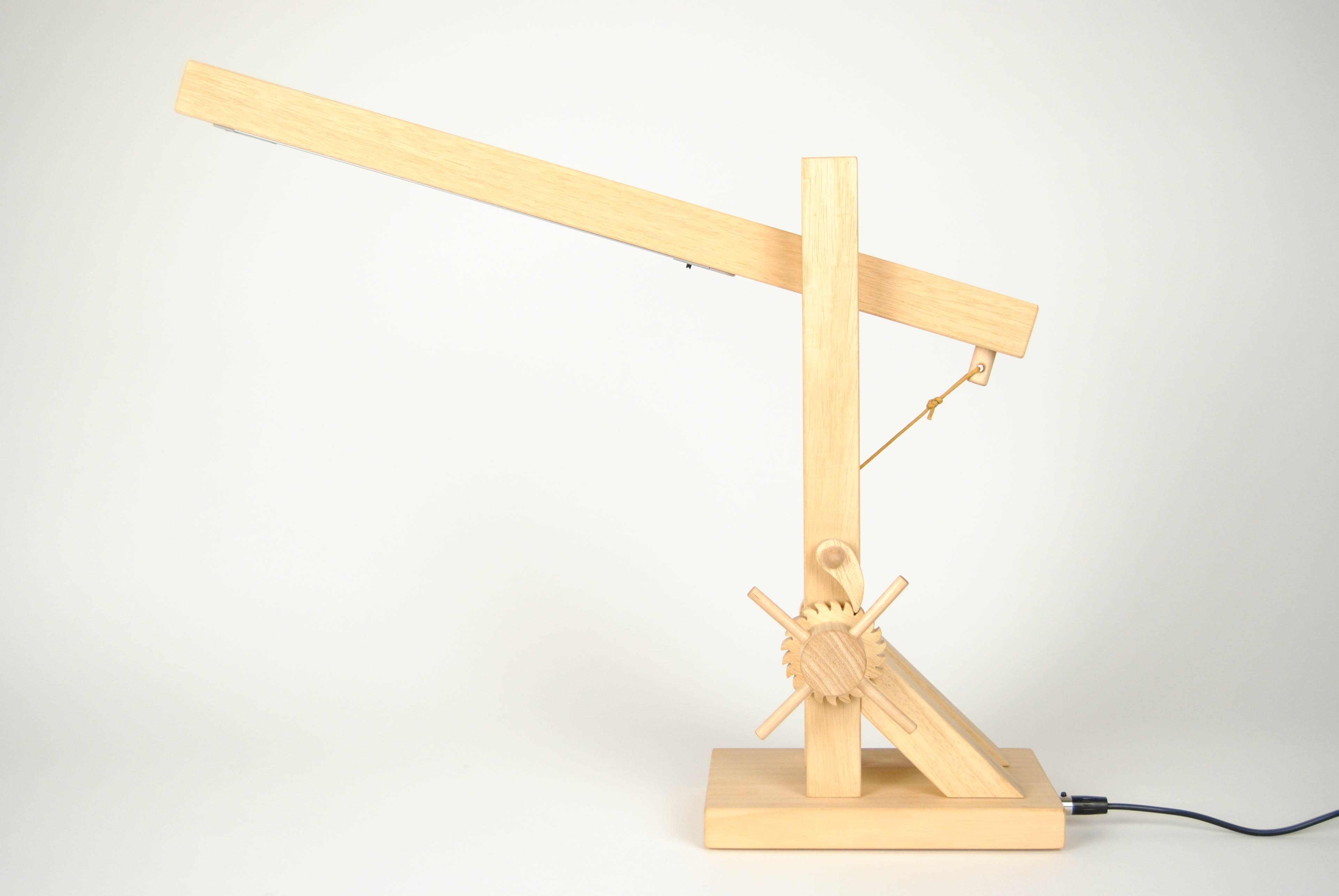 leonardo wooden lamp flexible