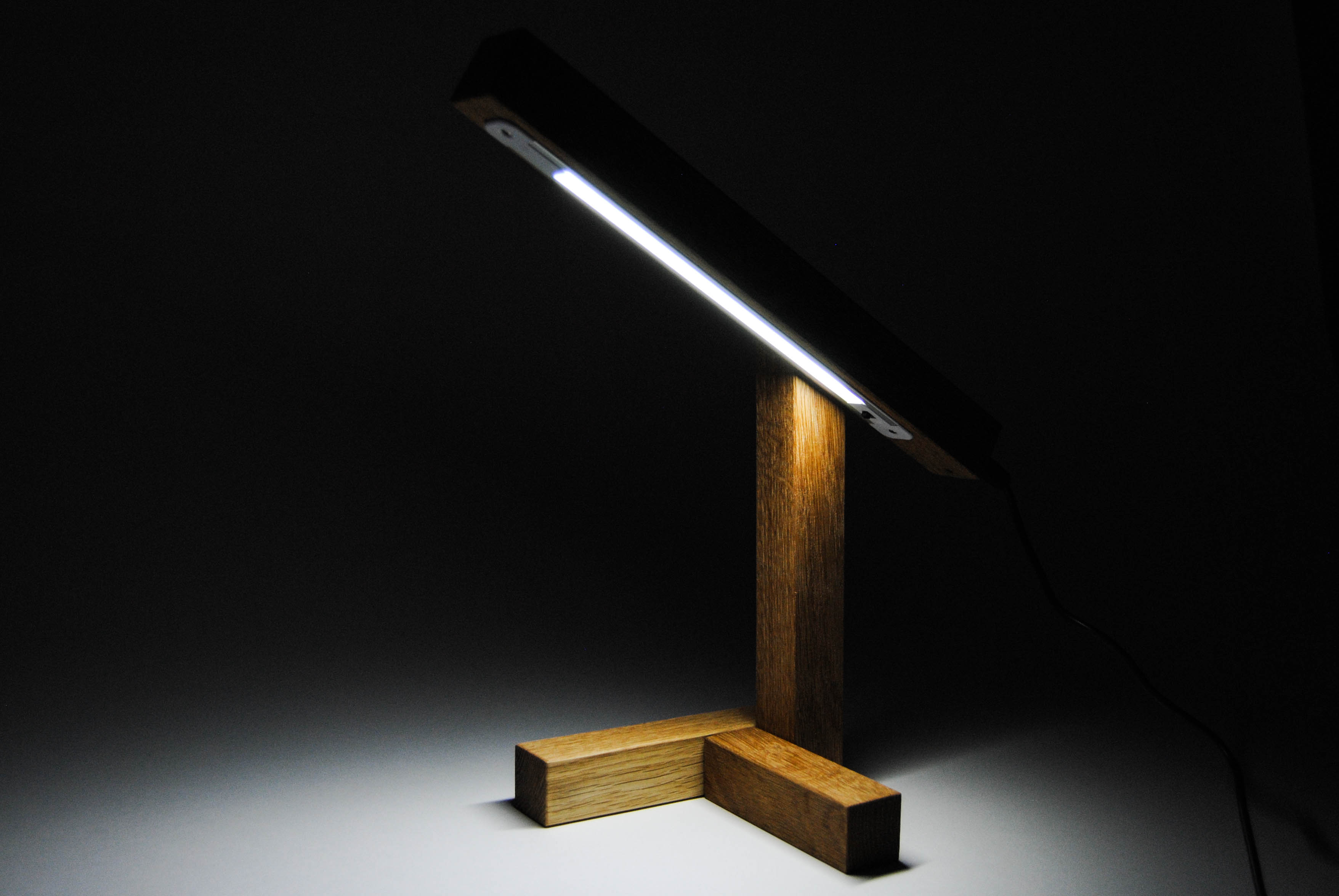 light of the tris wooden lamp