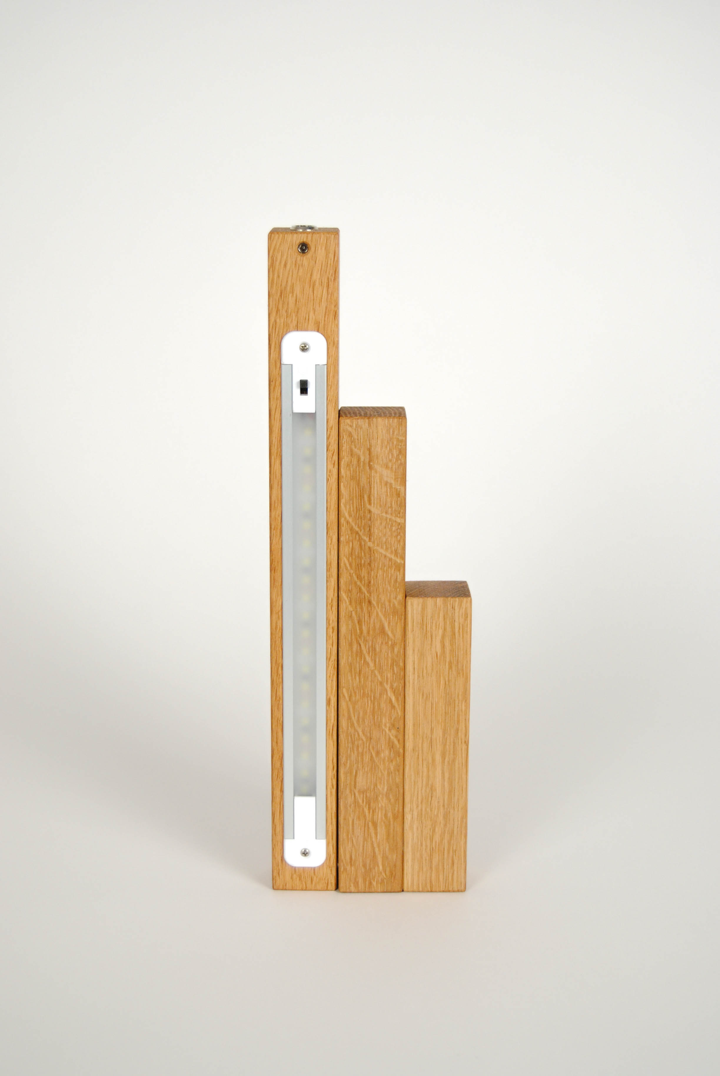 close tris lamp wooden with led light