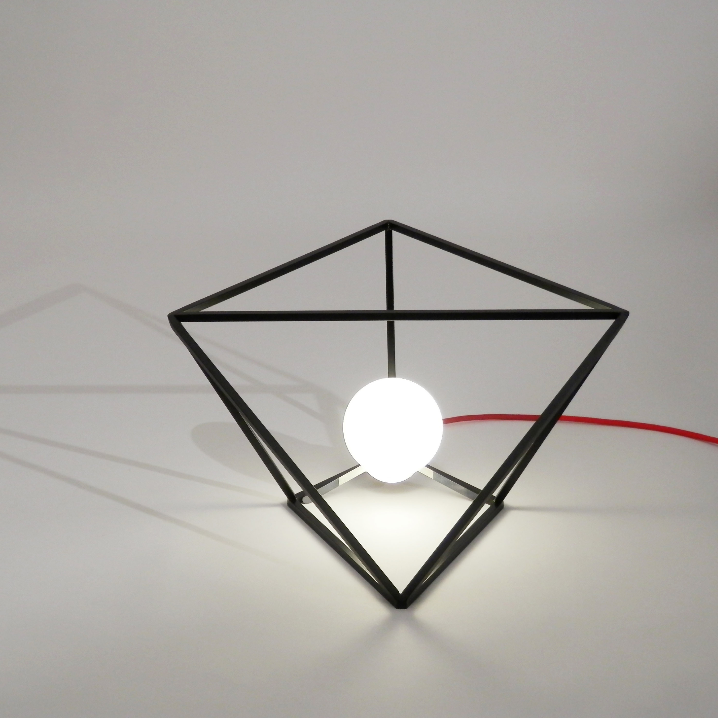 divina proportione table lamp black
