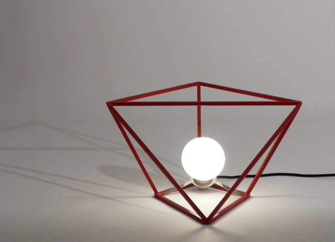 divina proportione table lamp red