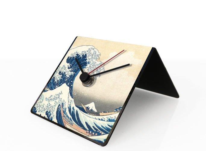 hokusai onda great wave design clock